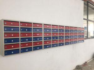 cutii postale bloc rosu si albastru