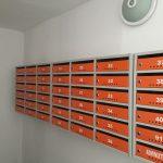 cutii postale portocaliii